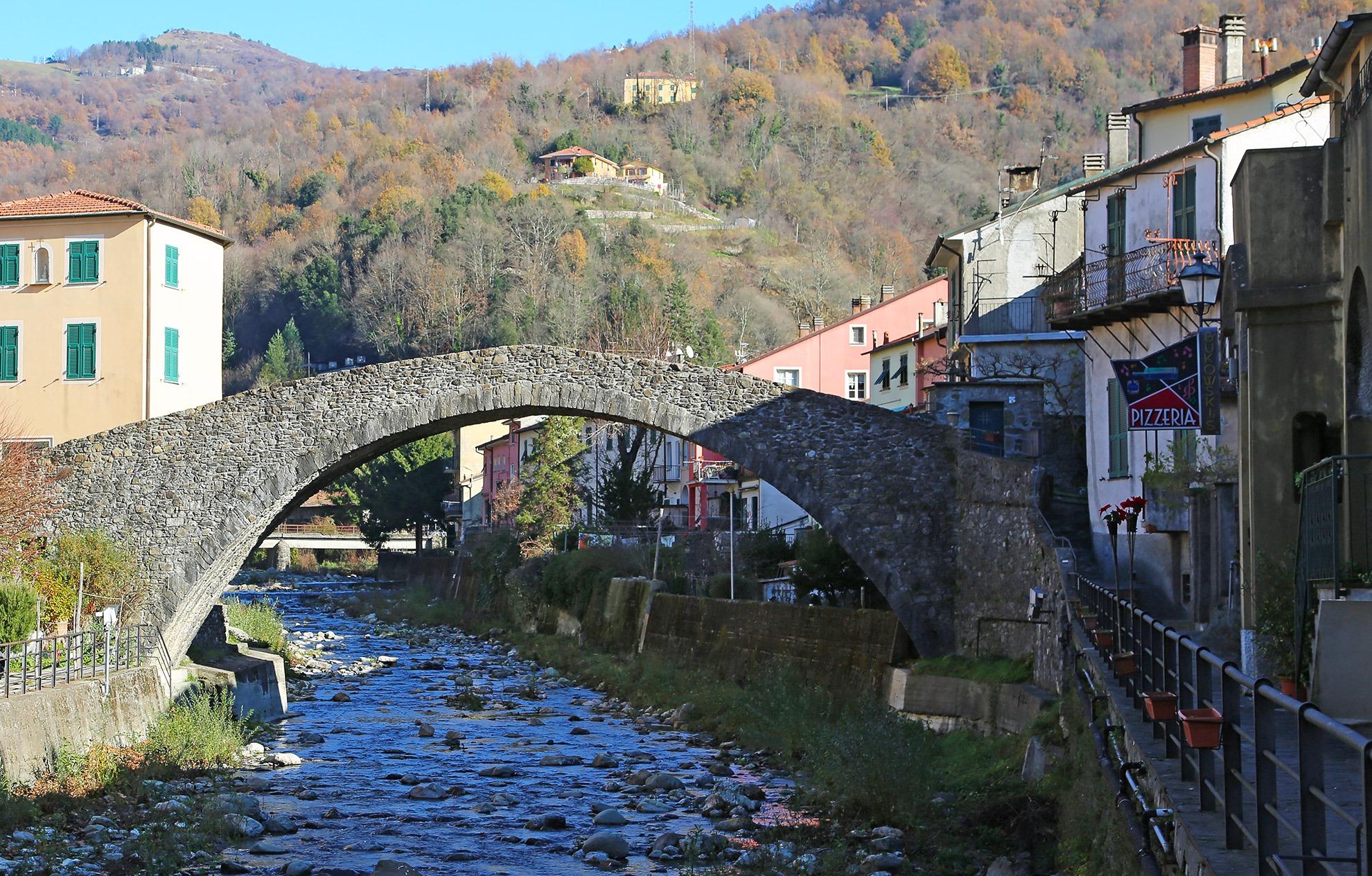 Varese Ligure il Ponte di Grecino